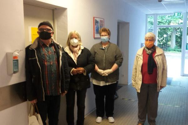 Ortsbeirat der Talstadt Geisenheim spendete der Tafel Rheingau / Caritas in Geisenheim 100 Masken